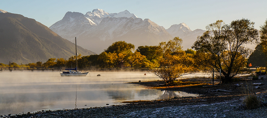 Autumn at the Glenorchy Lakefront